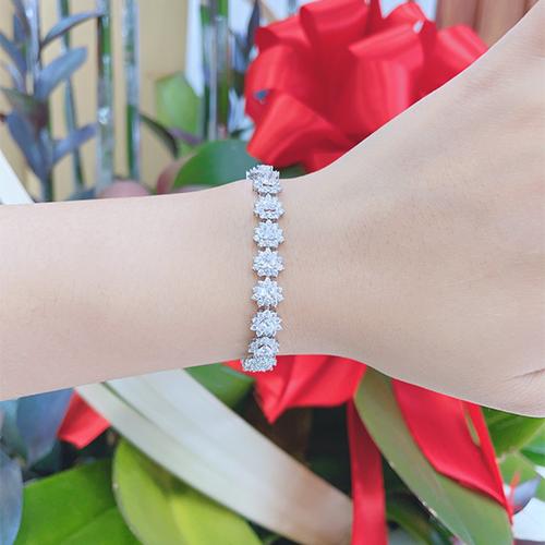 lắc tay kim cương cao hung 180tr